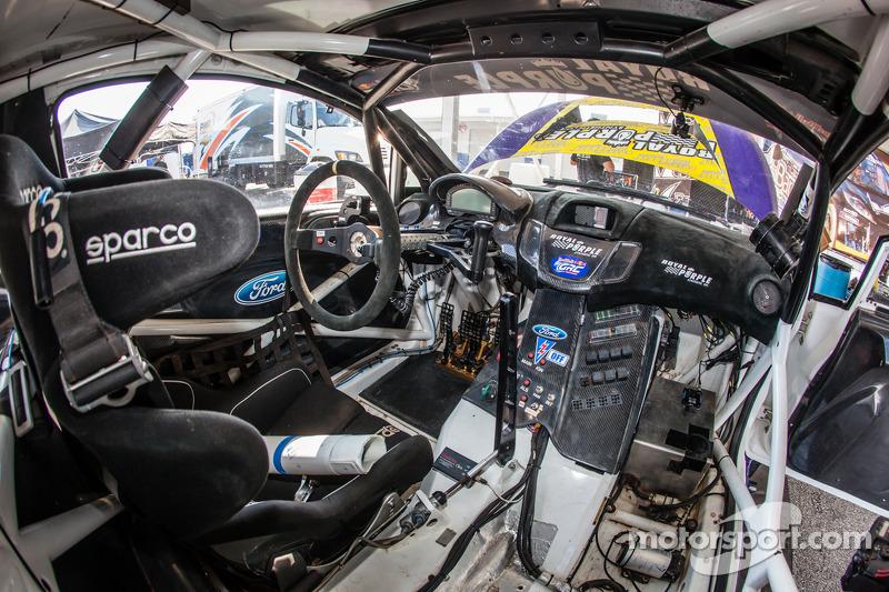 Cockpit do #00 Royal Purple Racing / OMSE2 Ford Fiesta ST cockpit