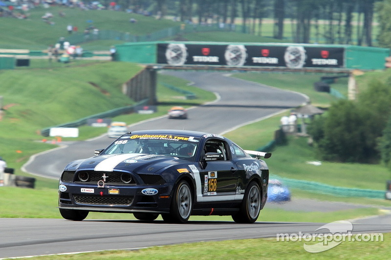 #158 Multimatic Motorsports Ford Mustang 302R: Ian James, Billy Johnson