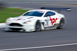 السيارة رقم 28 هورس باور ريسينغ اسون مارتن بول بايلي، أندي شولز