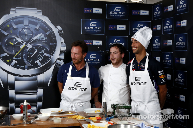 Casio Edifice Lansmanı, Red Bull Enerji İstasyonu'nda, Christian Horner, Red Bull Racing Takım Patronu ve Tom Sellers, Michelin-yıldız şefi ve Daniel Ricciardo, Red Bull Racing