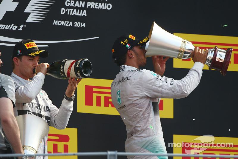 Ganador de la carrera Lewis Hamilton, de Mercedes AMG F1, segundo puesto de Nico Rosberg, de Mercede