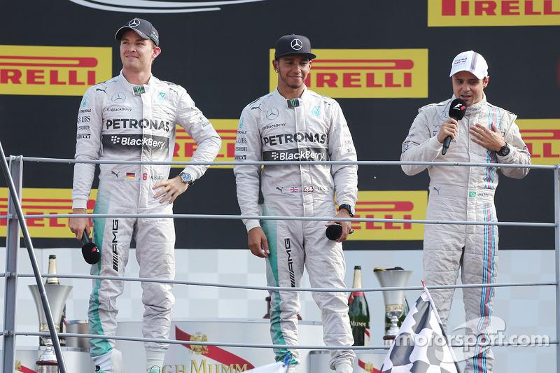 Podio: ganador de la carrera Lewis Hamilton, de Mercedes AMG F1, el segundo lugar; Nico Rosberg, de Mercedes AMG F1 y Felipe Massa, Williams F1