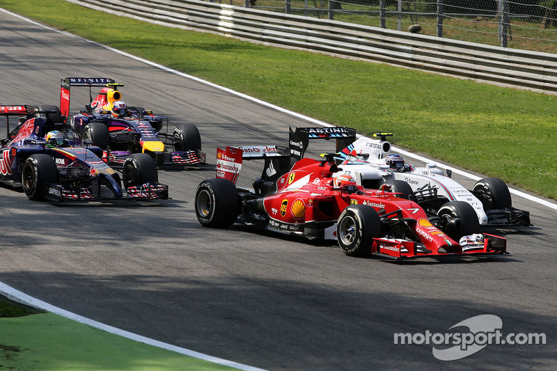 Kimi Raikkonen, Scuderia Ferrari y Valtteri Bottas, Williams F1 Team