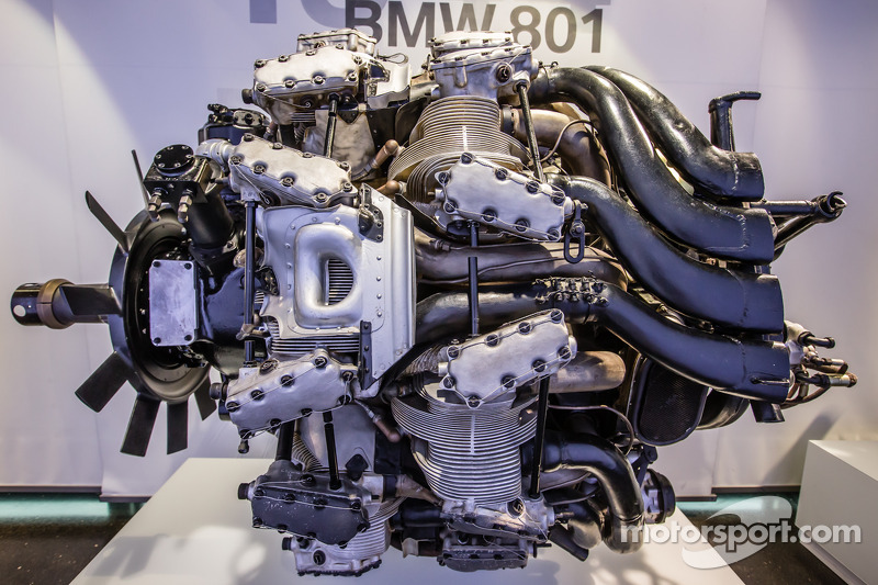 1944 BMW 801 airplane engine