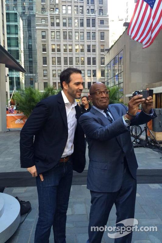 Jimmie Johnson, Hendrick Motorsports Chevrolet visita New York come parte del tour