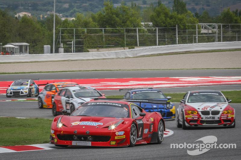 #4 Scuderia Praha 法拉利 458 Italia GT3: Jiri Pisarik, Jaromir Jirik, 马迪奥·马卢切利, 彼得·考克斯