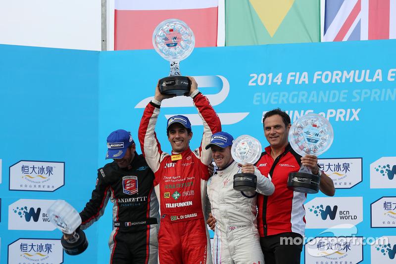 Podio: ganador de la carrera Lucas di Grassi, segundo lugar Franck Montagny, y el tercer puesto Sam