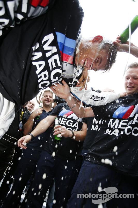 Campeão de 2014, Marco Wittmann, BMW Team RMG BMW M4 DTM comemora