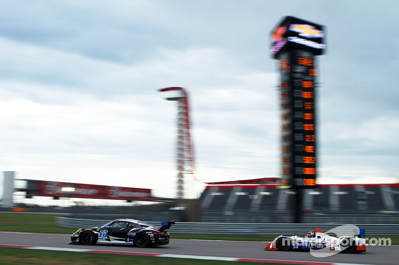 #27 Dempsey Racing Porsche 911 GT America: Patrick Dempsey, Andrew Davis e #54 CORE autosport ORECA FLM09: Jonathan Bennett, Colin Braun
