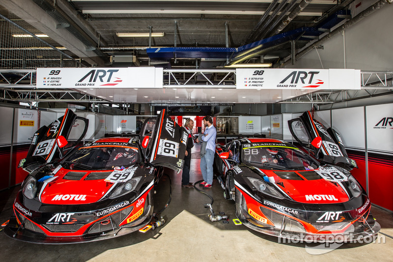 #99 ART Grand Prix McLaren MP4-12C: Andy Soucek, Kevin Korjus, Kevin Estre, #98 ART Grand Prix McLar