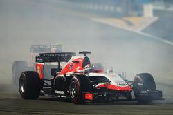 玛鲁西亚F1车队MR03赛车车手朱尔斯·比安奇在发车时