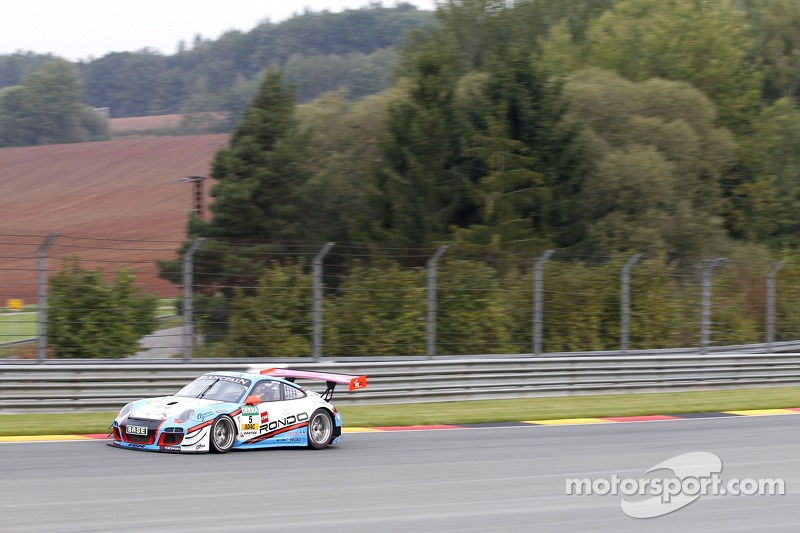 #5 Farnbacher Racing 保时捷 911 GT3 R: Robert Lukas, Nathan Morcom