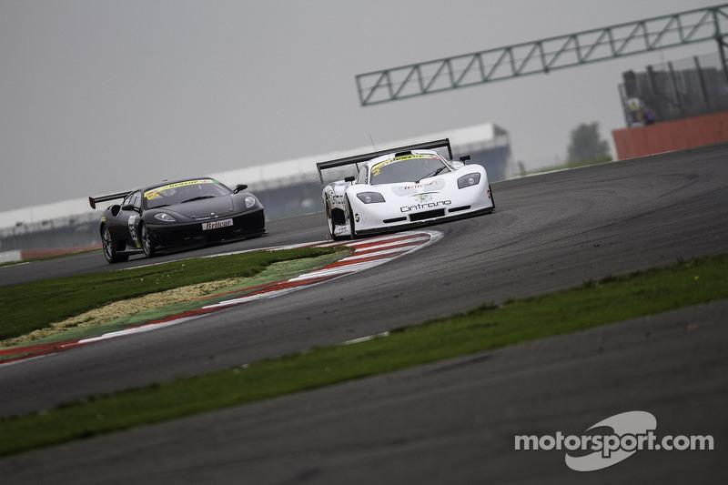 #2 Neil Garner Motorsport 莫斯勒 MT900 GT3: 哈维尔·莫尔西略, 曼努埃尔·辛特拉诺, #65 Track Focused 法拉利 430 Challenge: 彼
