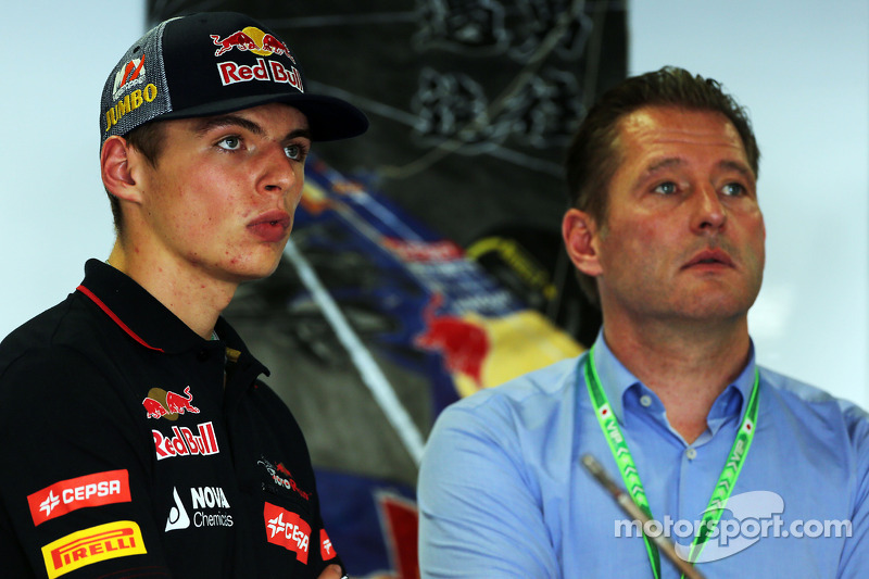 (L to R): Max Verstappen, Scuderia Toro Rosso Test Driver with his father Jos Verstappen