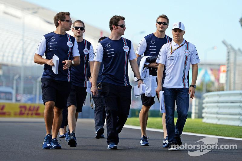 Valtteri Bottas, Williams, cammina nel circuito