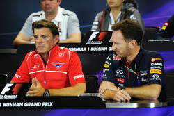 (Soldan Sağa): Graeme Lowdon, Marussia F1 Takımı Baş Yöneticisi ve Christian Horner, Red Bull Racing Takım Patronu FIA Basın Konferansı'nda