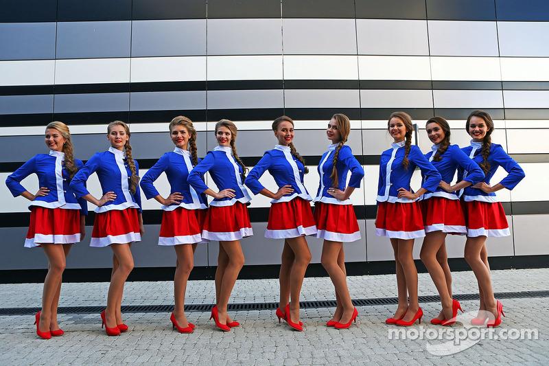 f1-russian-gp-2014-lovely-sochi-grid-girls.jpg