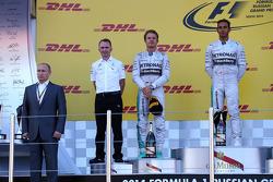 Vladimir Putin, presidente russo com Nico Rosberg, Mercedes AMG F1 W05, Lewis Hamilton, Mercedes AMG F1 W05