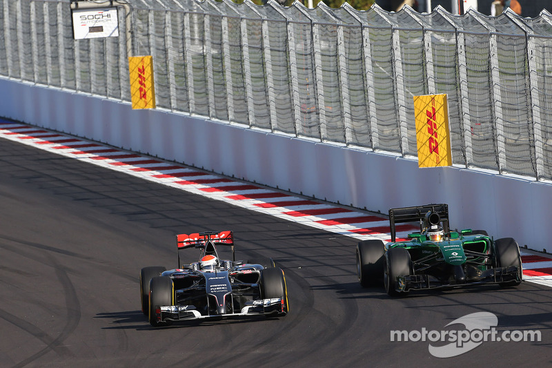 Adrian Sutil, Sauber F1 Team; Kamui Kobayashi, Caterham F1 Team