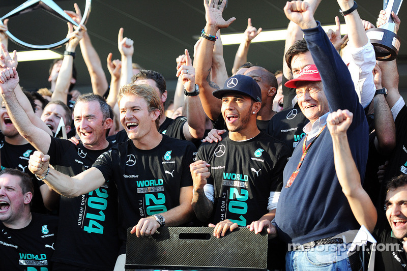 (L to R): Paddy Lowe, Mercedes AMG F1 Executive Director, Mercedes AMG F1; Lewis Hamilton, Mercedes