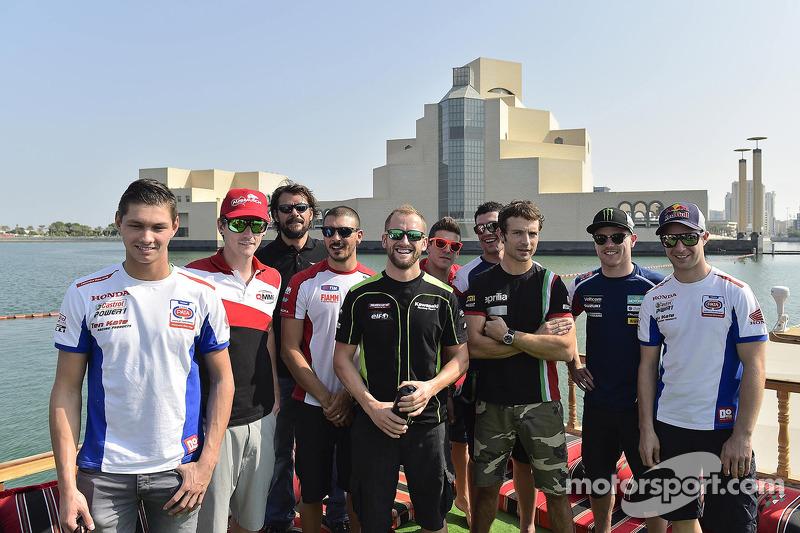 I Piloti del Mondiale Superbike si godono di un viaggio intorno alla baia