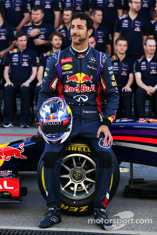 Daniel Ricciardo, Red Bull Racing at a team photograph