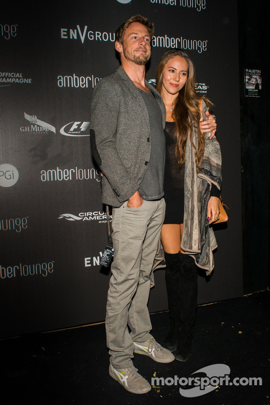 Jenson Button y Jessica Michibata