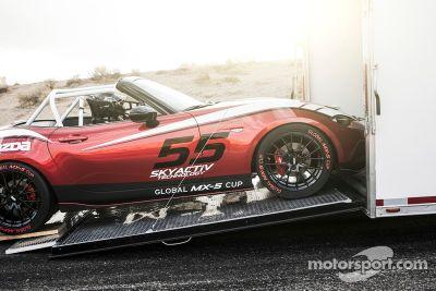 Mazda dévoile la Global MX-5 Cup 2016