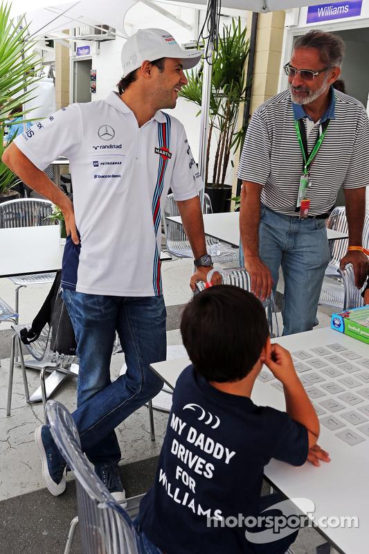 Felipe Massa, Williams with his son Felipinho Massa (BRA)