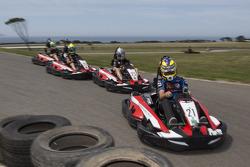 Les pilotes participent à un évènement kart à Philip Island