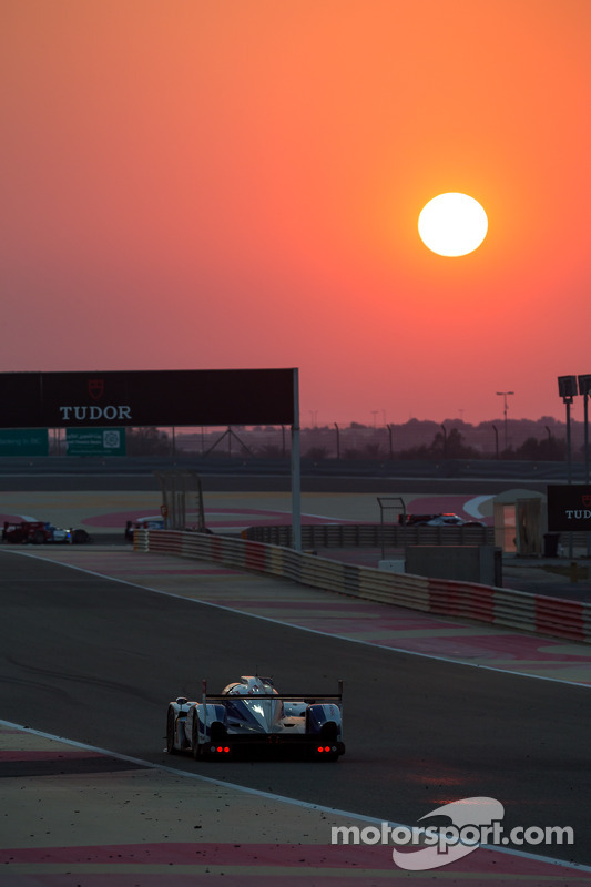 Sun setting over Bahrain International Circuit
