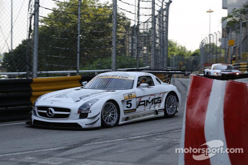 #5 梅赛德斯-AMG驾驶学院 梅赛德斯-奔驰: 马罗·恩格尔