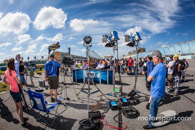 FOX Sports 1 live set