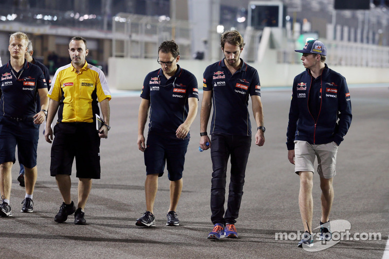 (L to R): Jean-Eric Vergne, Scuderia Toro Rosso walks the circuit with Max Verstappen, Scuderia Toro