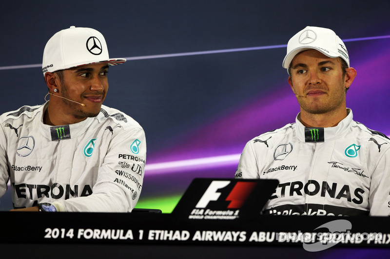 (L to R): Lewis Hamilton, Mercedes AMG F1 with team mate Nico Rosberg, Mercedes AMG F1 in the FIA Pr