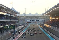 Comienzo: Lewis Hamilton, Mercedes AMG F1 lidera a