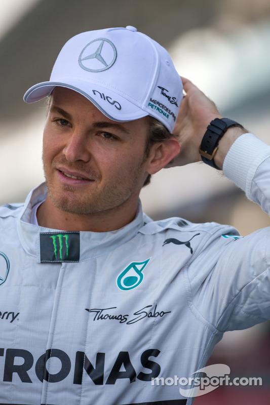 Nico Rosberg, da Mercedes AMG F1, para uma fotografia da equipe