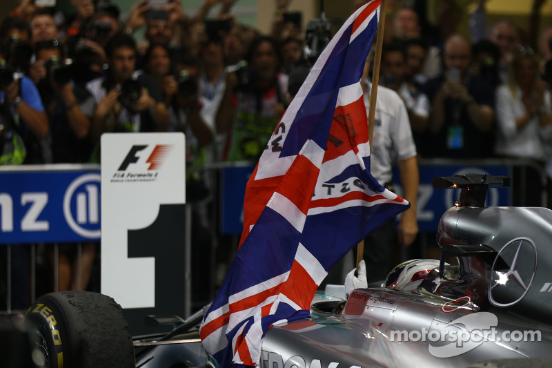 İlk sıra ve Dünya Şampiyonu Lewis Hamilton, Mercedes AMG F1 W05