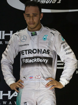 (Da sinistra a destra): Il vincitore della gara e campione mondiale Lewis Hamilton, Mercedes AMG F1 festeggia sul podio