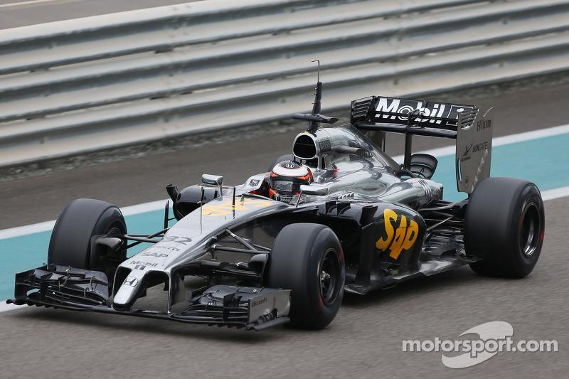 A parceria iria à pista somente em novembro de 2014, em um teste em Abu Dhabi. Mas já havia indícios do que estava por vir: o motor apresentou problemas e o carro deu apenas cinco voltas em dois dias de atividades.