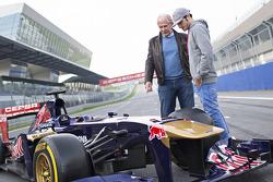 Helmut Marko y Carlos Sainz Jr., Toro Rosso