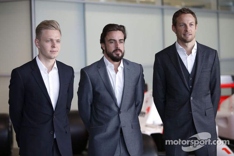 Kevin Magnussen, Fernando Alonso y Jenson Button, McLaren Honda