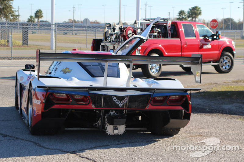 #5 Action Express Racing 雪佛兰克尔维特 DP: 马克斯·帕皮斯, 莱·基恩 停在赛道上