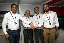 Le fondateur de Rio Motorsports JR Pereira, le PDG de Dorna Sports Carmelo Ezpeleta, le PDG de Rio Motorsports Luiz Fernando Mendes de Almeida Jr., le président de Rio Motorsports Luiz Fernando Mendes de Almeida Neto