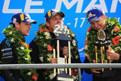 LMGTE Am podium: winners Julien Andlauer, Matt Campbell, Proton Competition, Patrick Dempsey, Dempsey Proton Competition