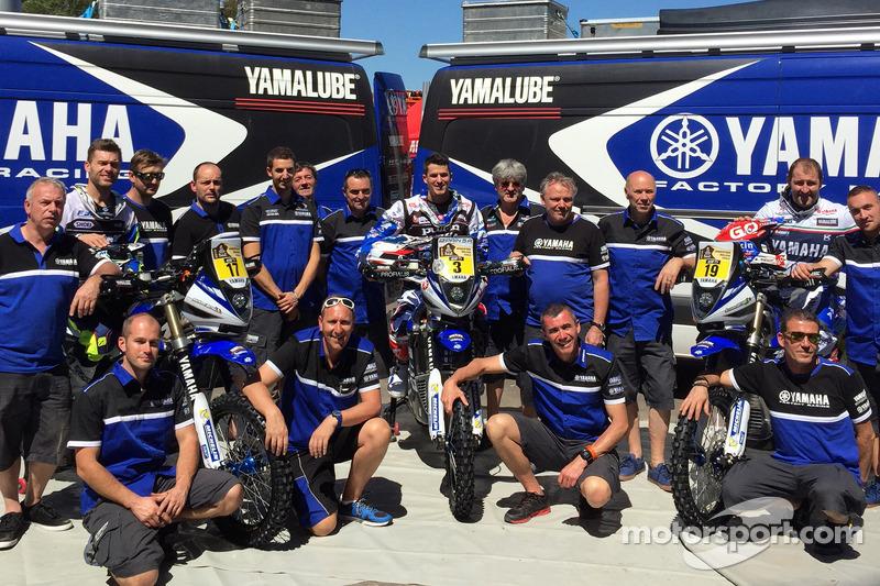 Yamaha team з riders Michael Metge, Olivier Pain, Alessandro Botturi