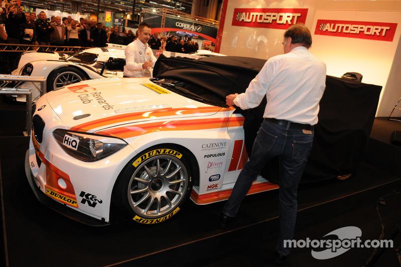 Andy Priaulx e il capo del WSR Team Dick Bennetts svelano la loro 2015 WSR BTCC BMW 125i