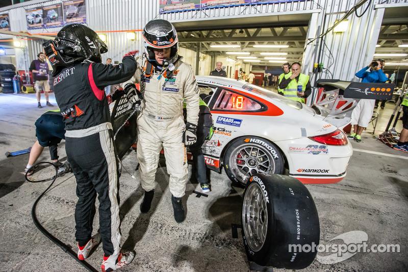 Boxenstopp für #17 Ruffier Racing, Porsche 997 Cup: Patrice Lafargue, Paul Lafargue, Gabriel Abergel