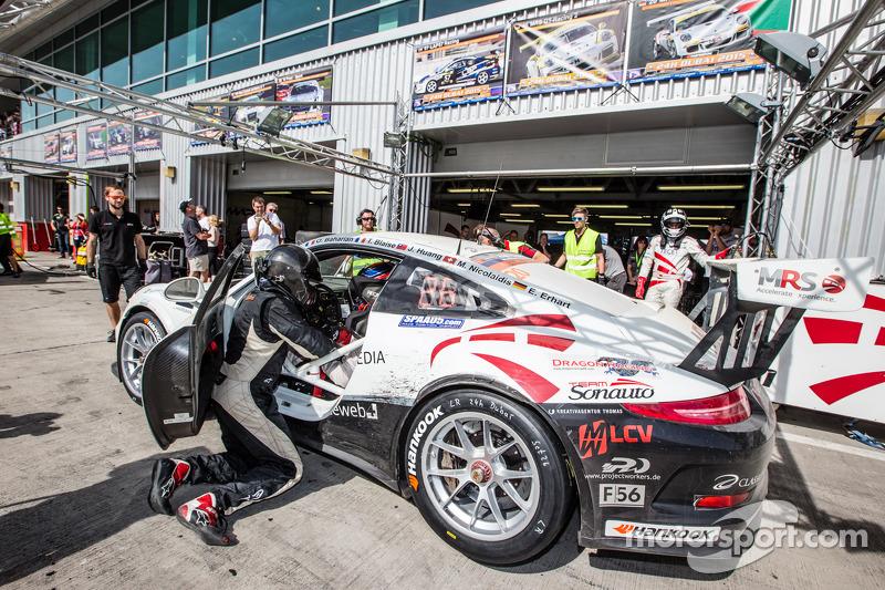 #20进站,MRS GT-Racing,保时捷991杯: Manuel Nicolaidis, Olivier Baharian, Thierry Blaise, Johnson Huang