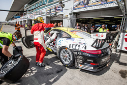 Boxenstopp für #46 MRS GT-Racing, Porsche 991 Cup: Siegfried Venema, Chris le Bon, Ilya Melnikov, Bassam Konfli, Elia Erhar